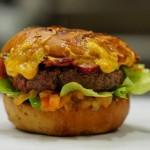 Le premium et le burger, moteurs du marché du snacking