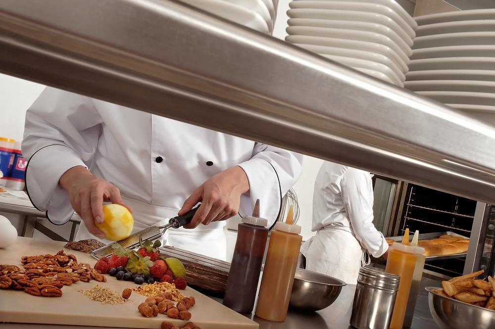 Dans les cuisines d'un restaurant