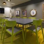 Les modes de travail nomades favorisent les besoins en salles de réunion