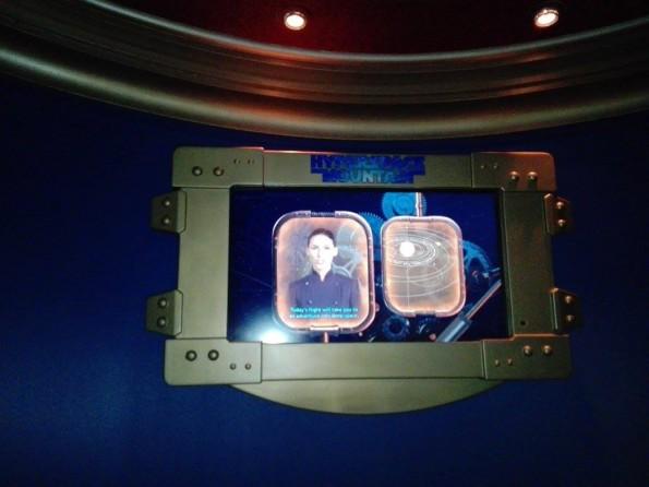 Les écrans dédiés aux consignes de sécurité n'ont pas changé. La vidéo sera quant à elle présentée lors de l'ouverture effective.