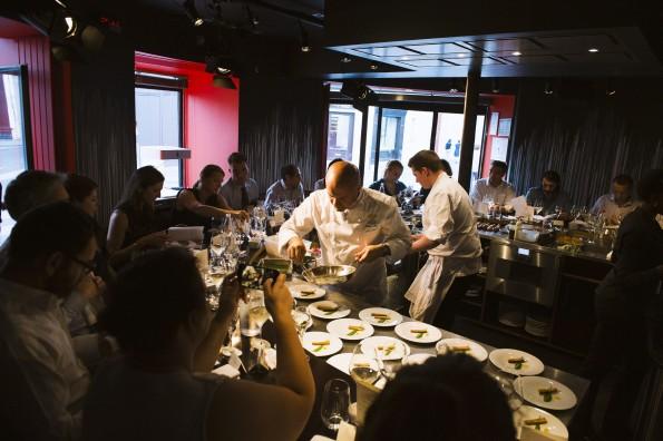Le restaurant Table Ronde, dédié à l'événementiel, permet aux convives de dialoguer avec les chefs.