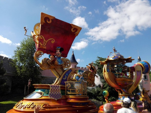 Disney Stars on Parade - Mickey - Disneyland Paris