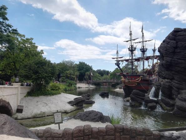 Précédemment rénové, le Galion des Pirates annonce toujours la couleur.