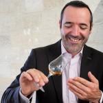 A travers le vin et le cognac, Régis Hardouin-Finez veut créer du lien