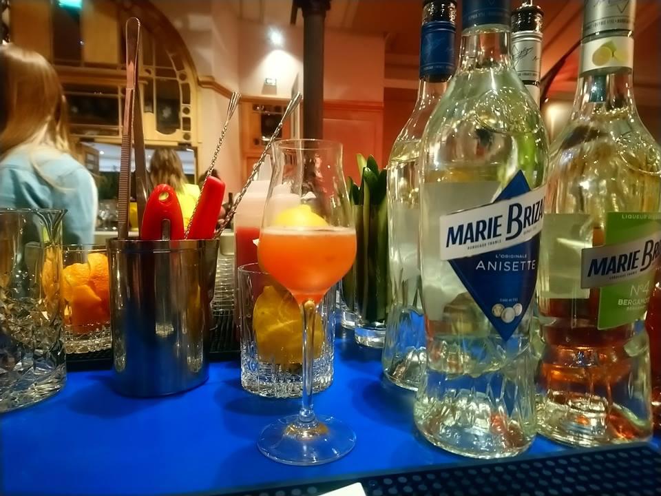Anisette et liqueur Marie Brizard