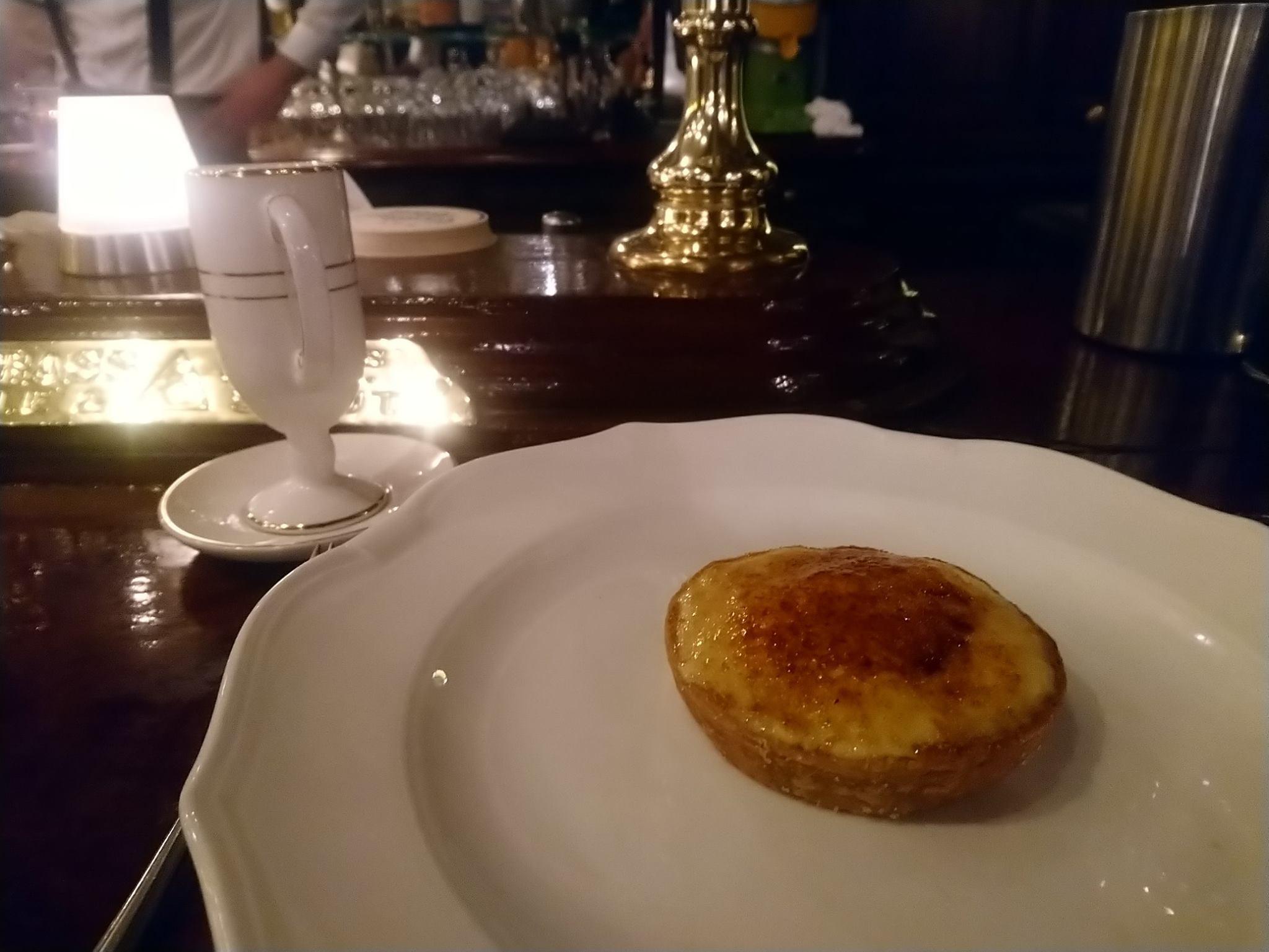 Le Gallopin, Paris : tartelette croustillante, avec sa crème brulée à l'armagnac et ses écorces d'orange