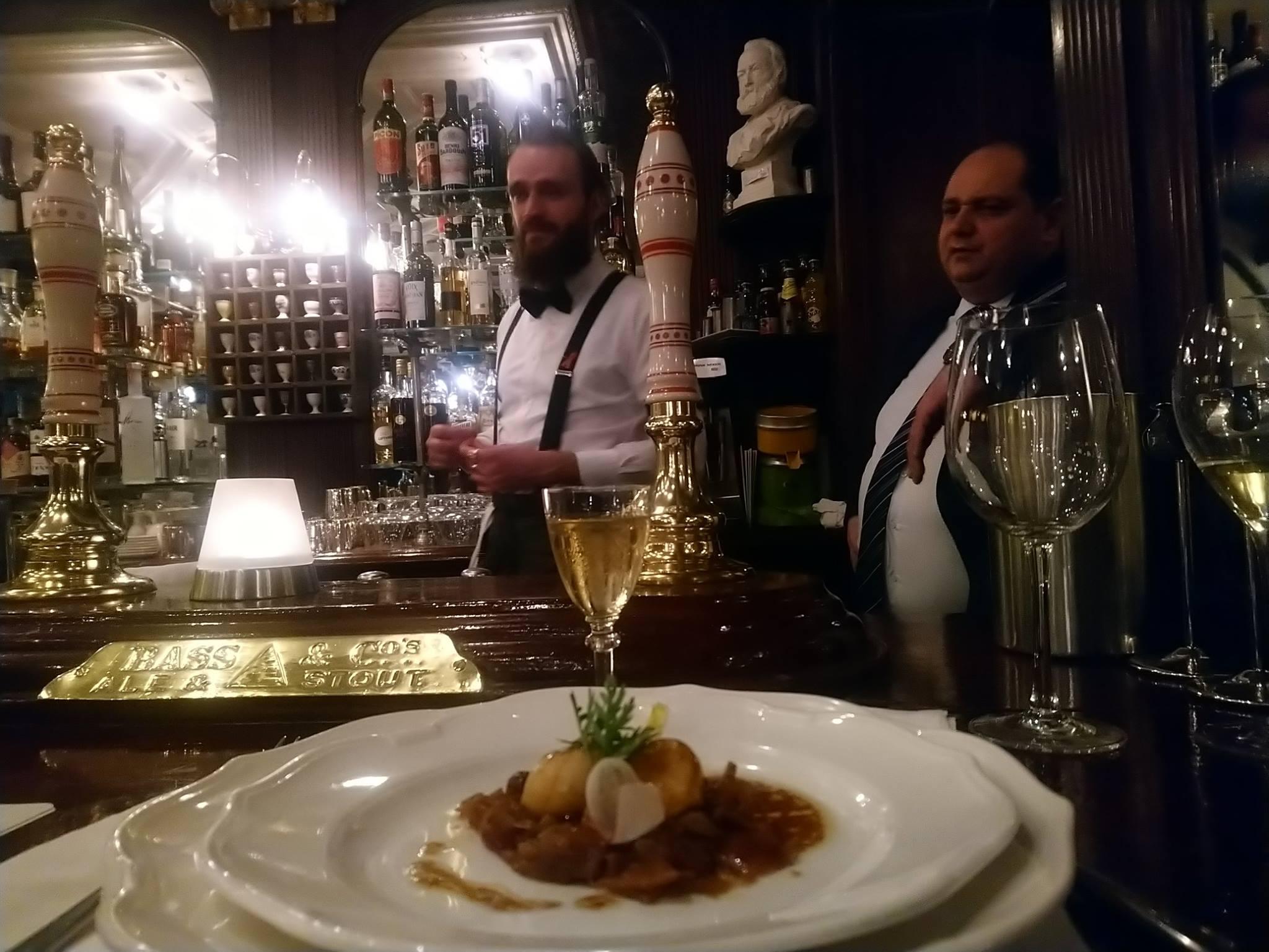 Le Gallopin, Paris : noix de Saint-Jacques laquées au jus de veau et huile de noisette