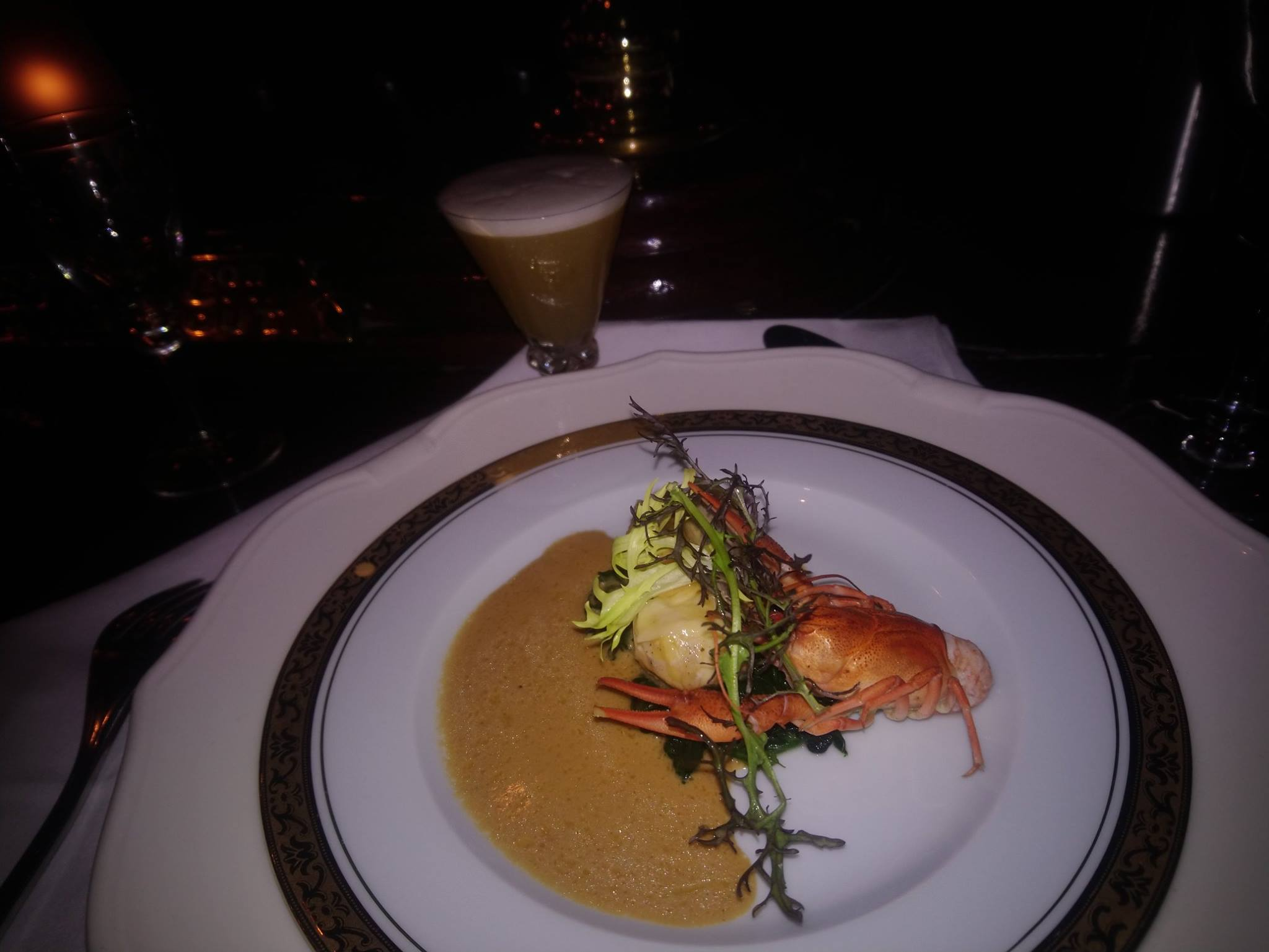 Le Gallopin, Paris : blanc de poulet fermier rôti aux écrevisses (cuisson en basse température) et sa bisque de homard