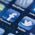 Réseaux sociaux : les Français plus connectés… et plus prudents
