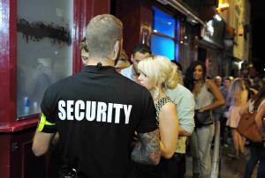 Agent de sécurité : bars, pubs, discothèques