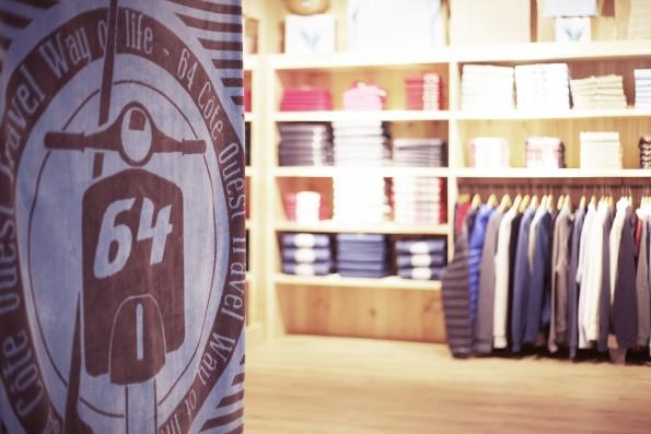 Une boutique de la marque de textile 64.