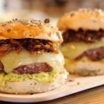 Le burger hésite entre exotisme et tradition française