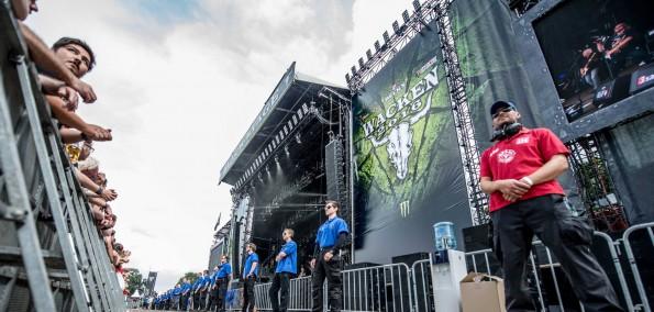 WOA 2016 - Metal Guards