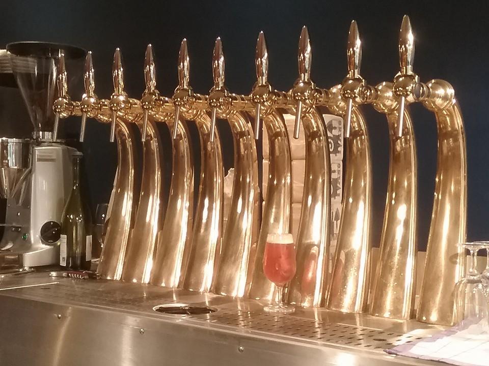 Hoppy Corner - Becs à bière