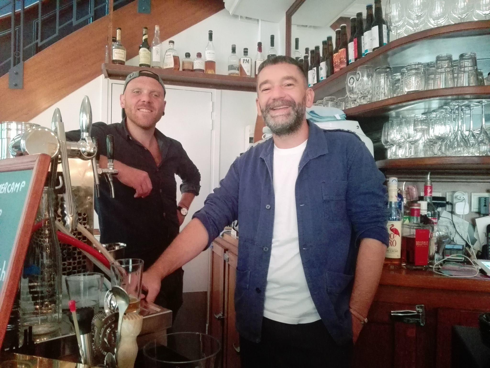 Julien Tisserand (Les Trois 8) et Jeff Daveu au Bistrot Blanc Bec, à Paris