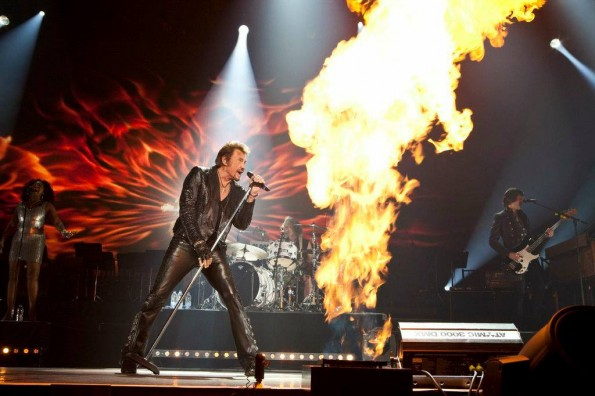 Johnny Hallyday allume le feu