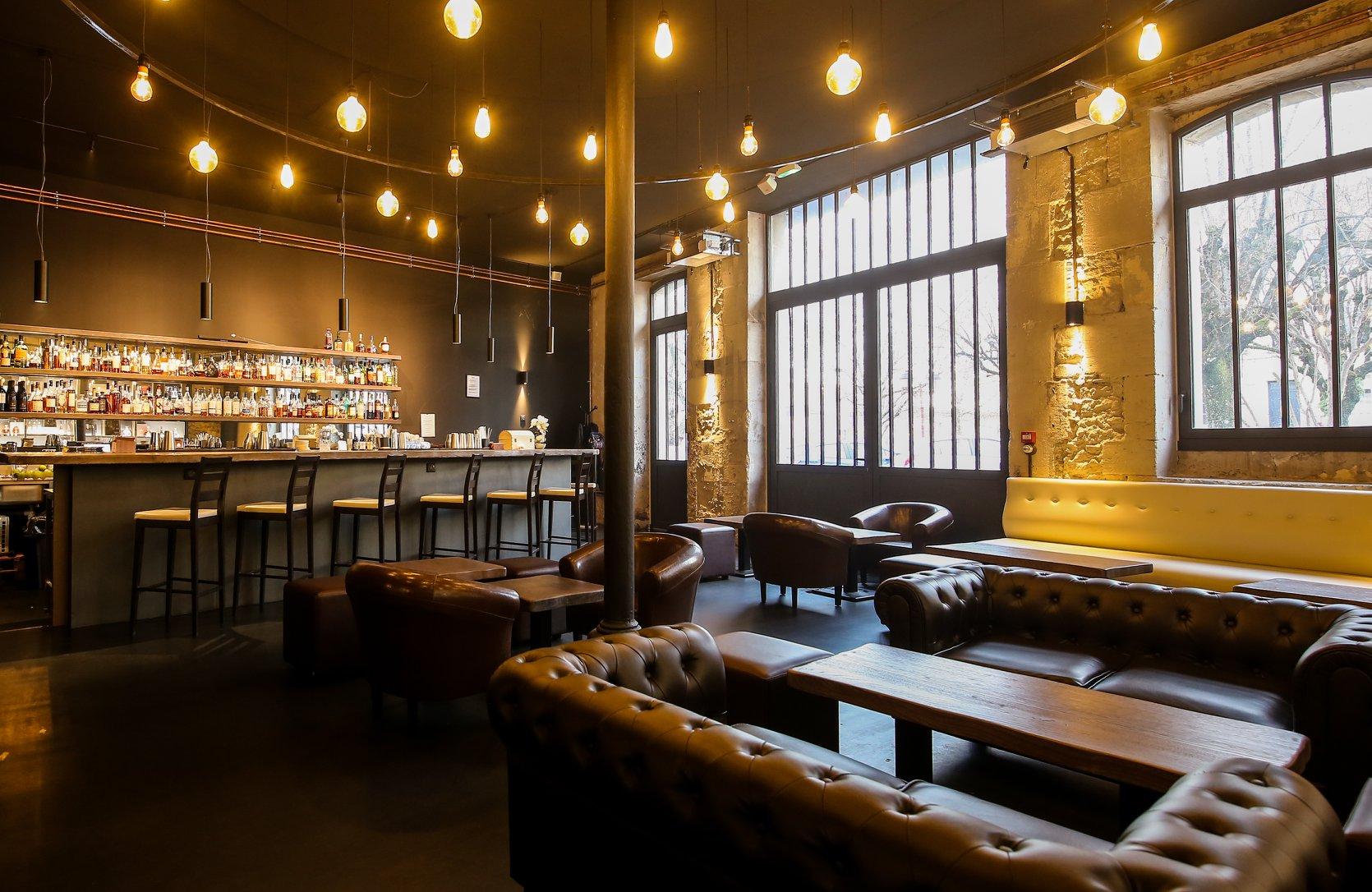 Cognac - Bar Luciole par Guillaume le Dorner