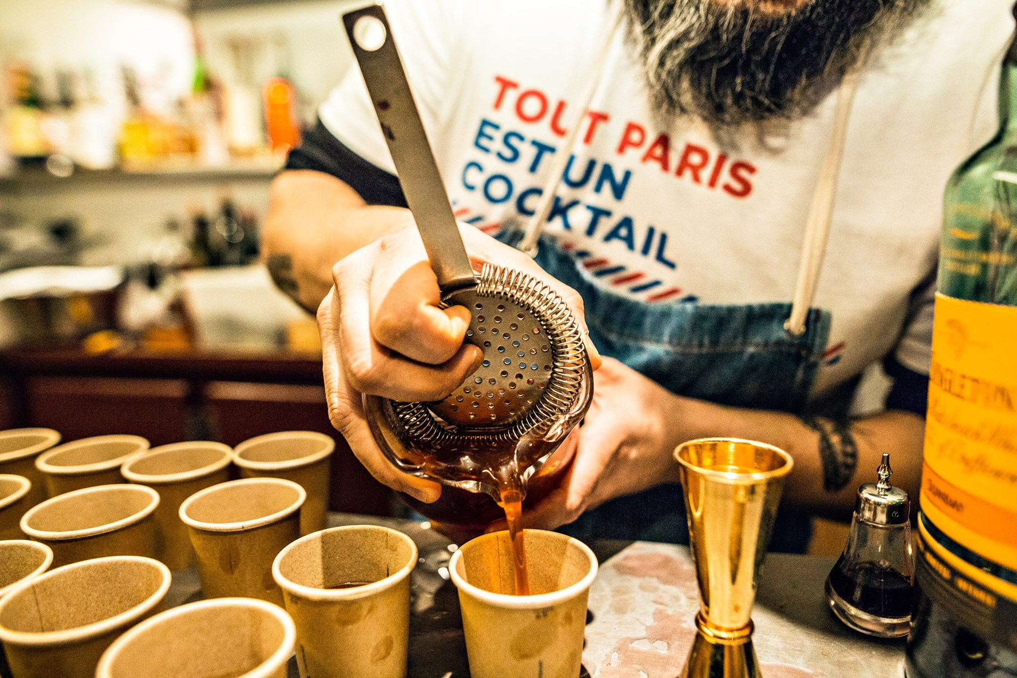 Paris Cocktail Week - Réalisation de cocktails par un bartender