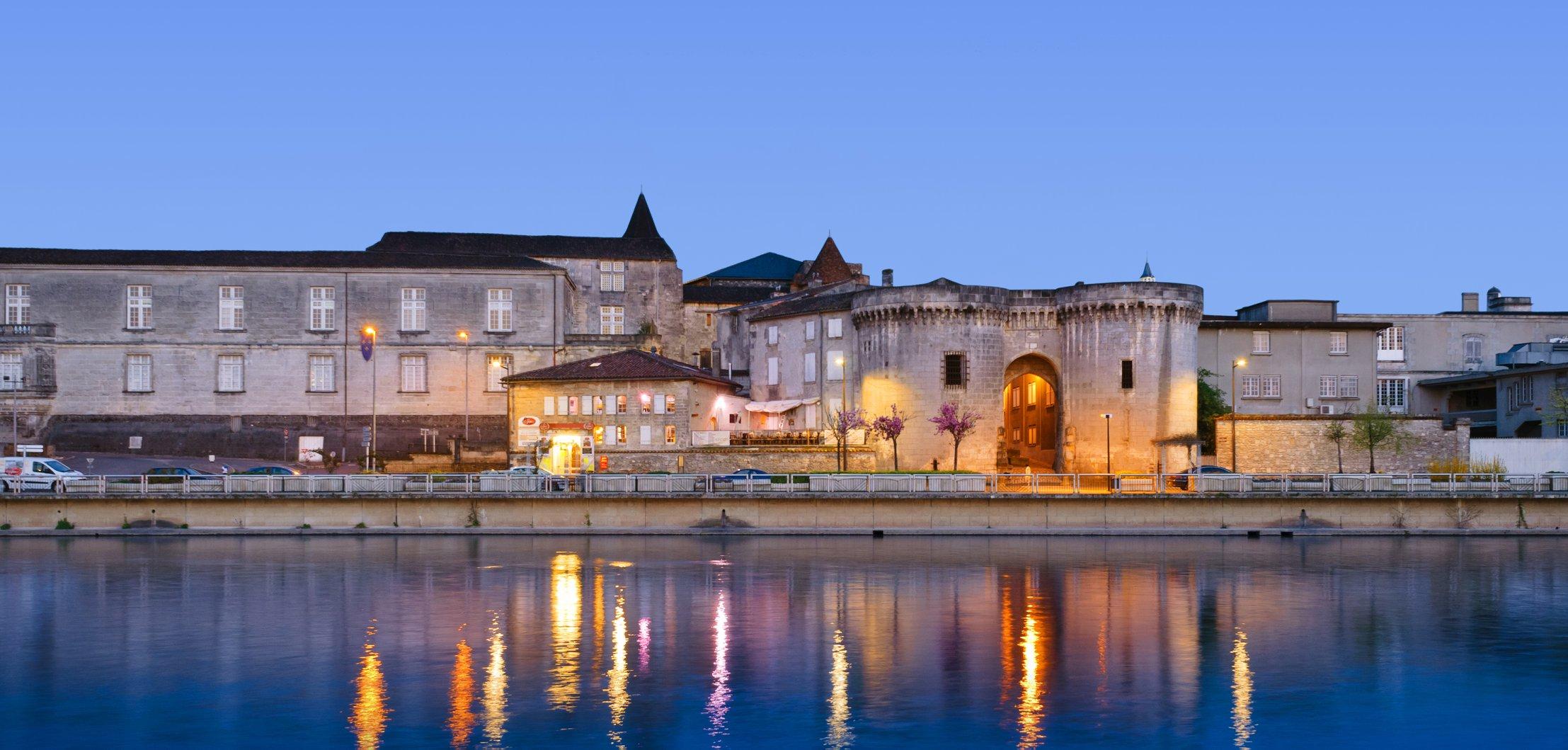 Ville de Cognac de nuit