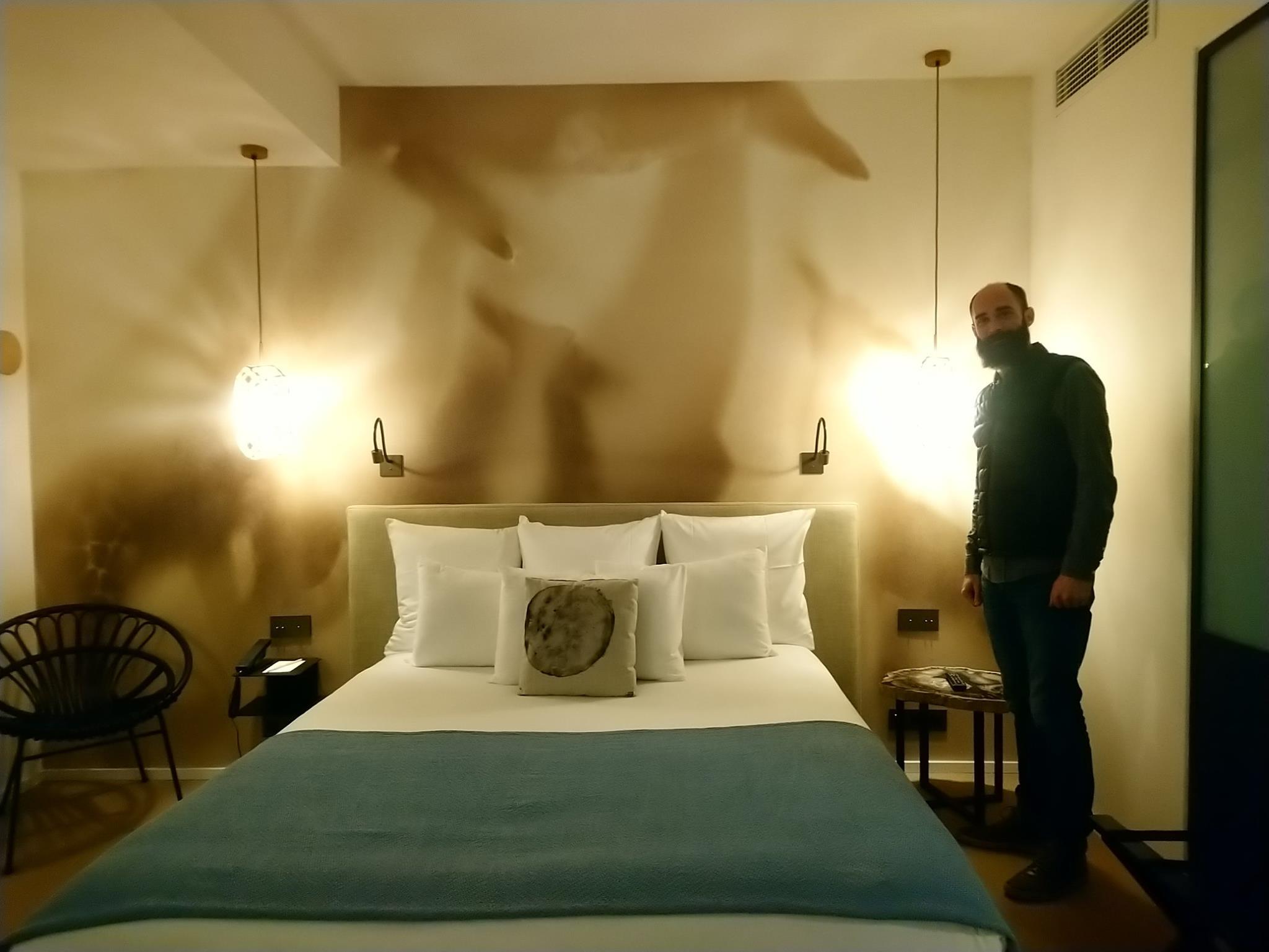 Alexandre Rondepierre - Hôtel Les deux girafes - Paris 11e