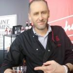 Comment Stephen Martin observe le bar et les bartenders
