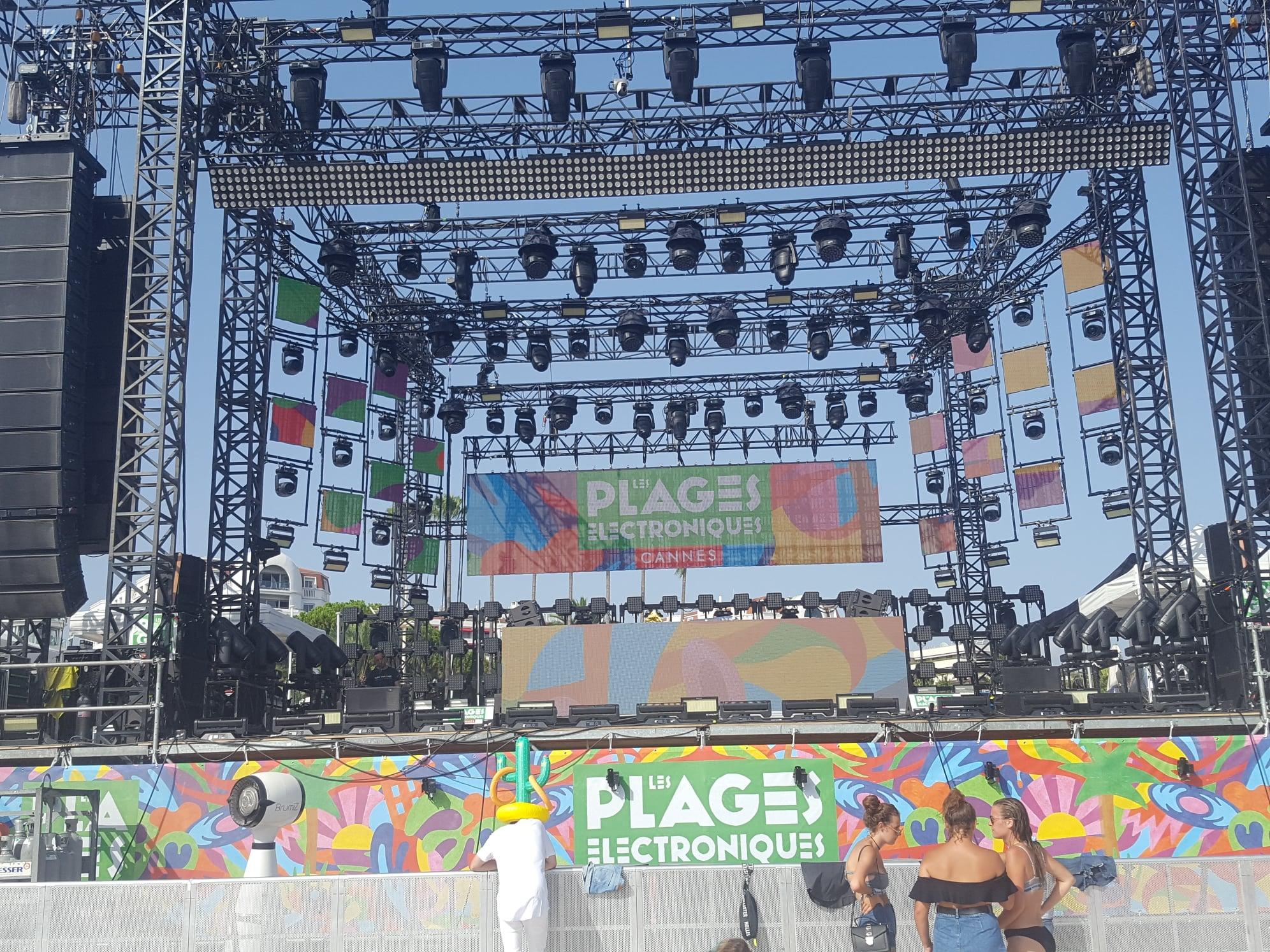Les Plages électroniques - Cannes - 11 août 2019 - Dance floor