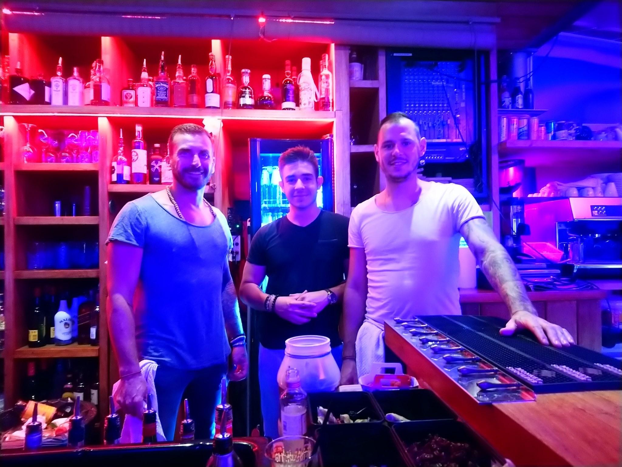 The 7th Heaven - Bar à cocktails rooftop Fréjus/Saint-Raphael - Olivier, Quentin et Vincent