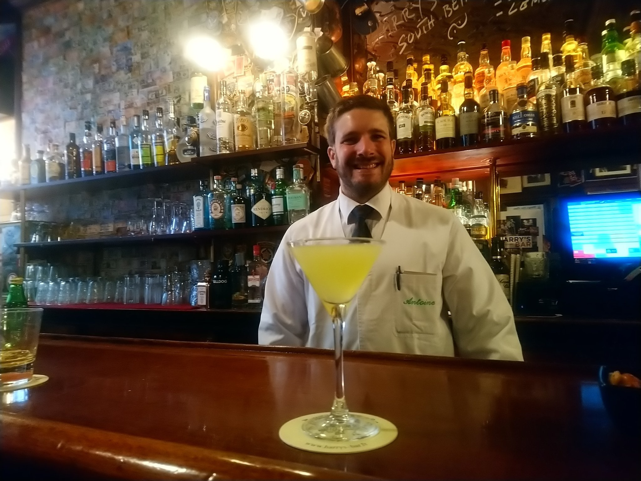 Antoine Dupont, barman au Harry's New York Bar Paris