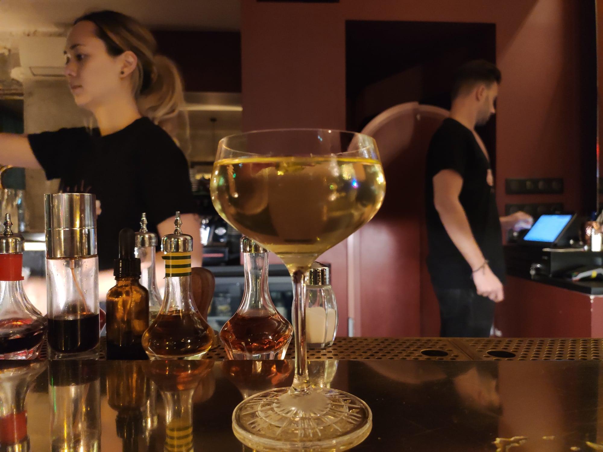 Izi - Divine (bar à cocktails à Paris)