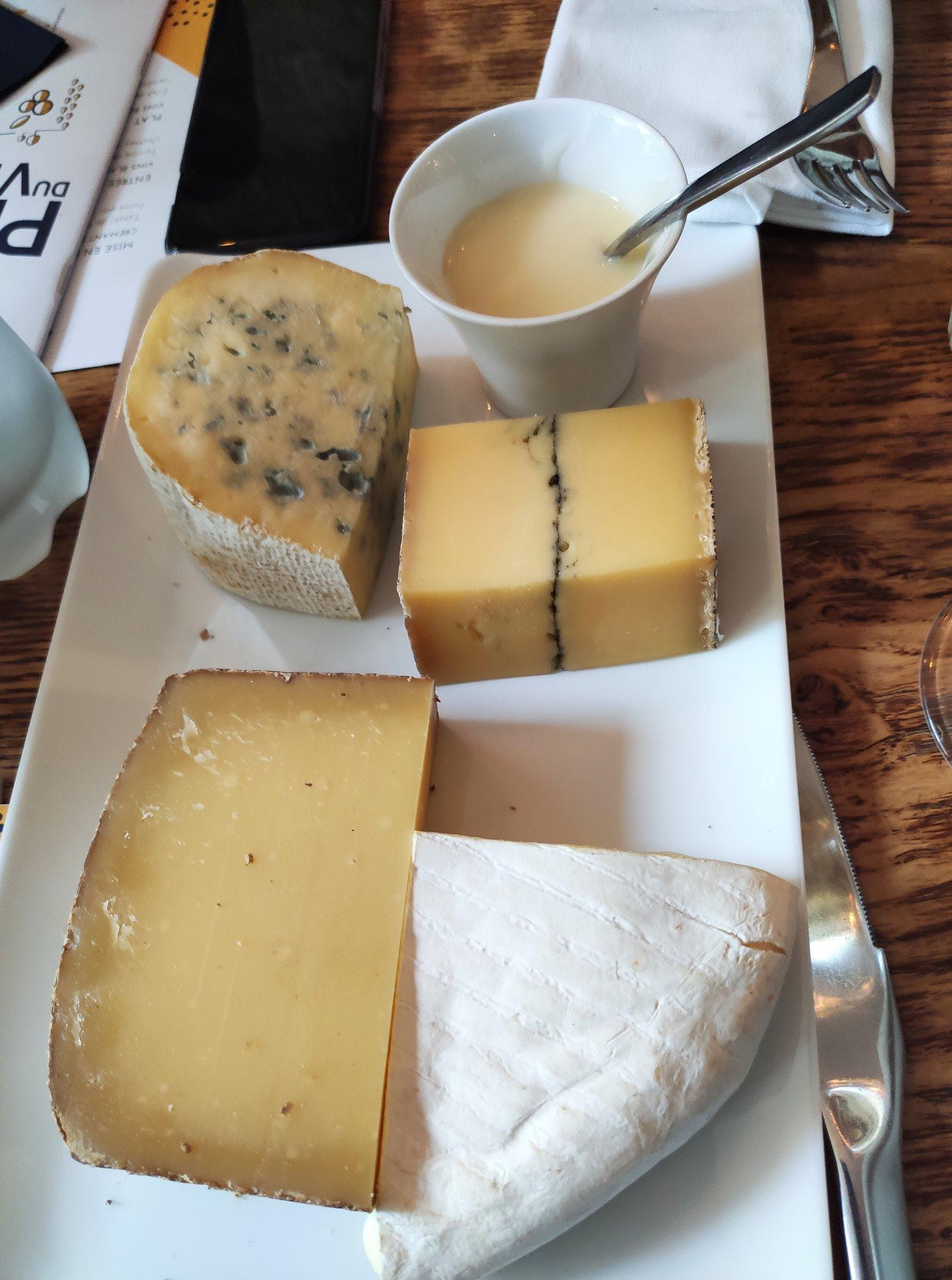 Plateau de fromages - Restaurant Bien élevé à Paris
