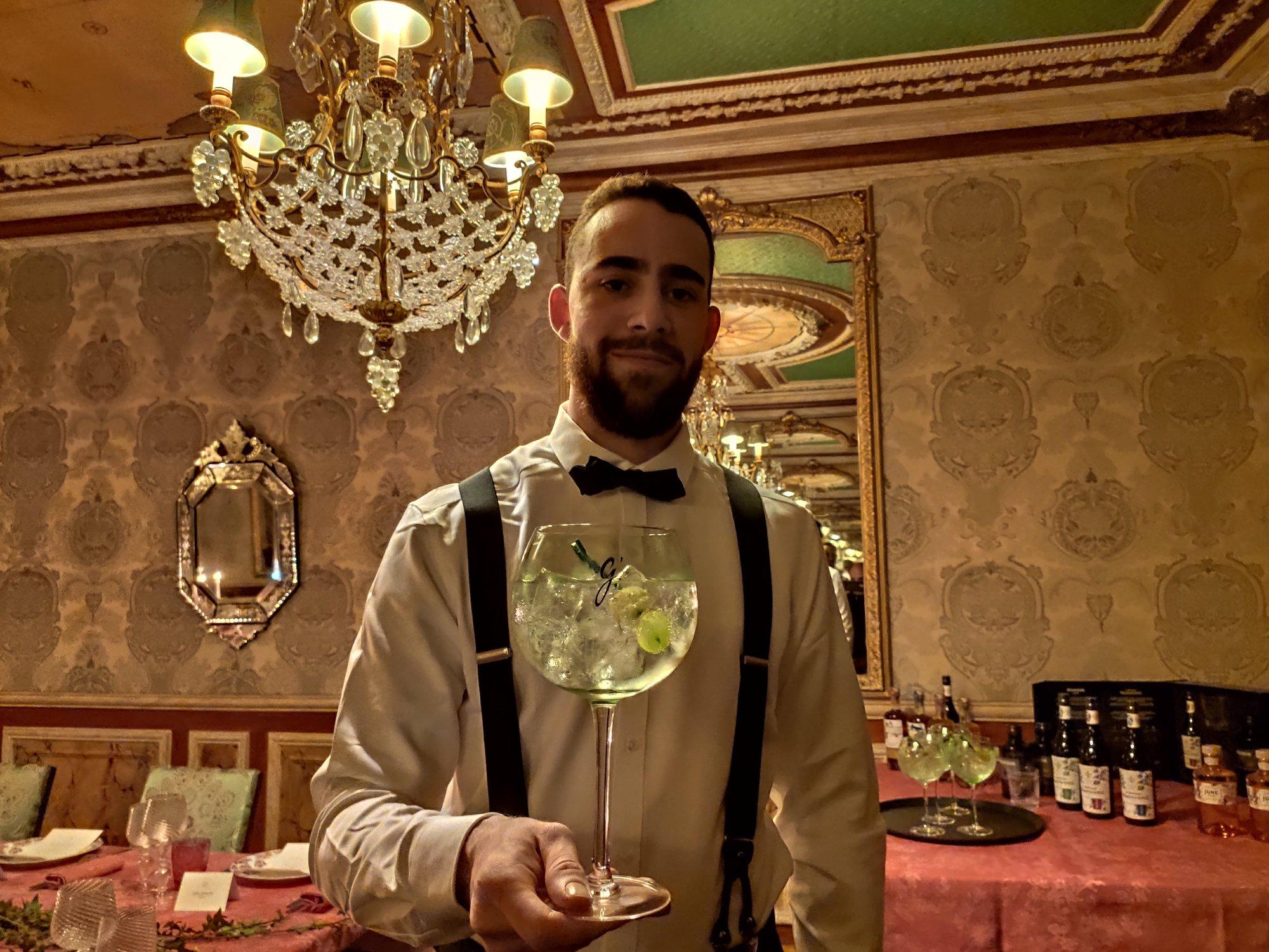 Gin tonic G'Vine - Barman - Restaurant Lapérouse - Paris