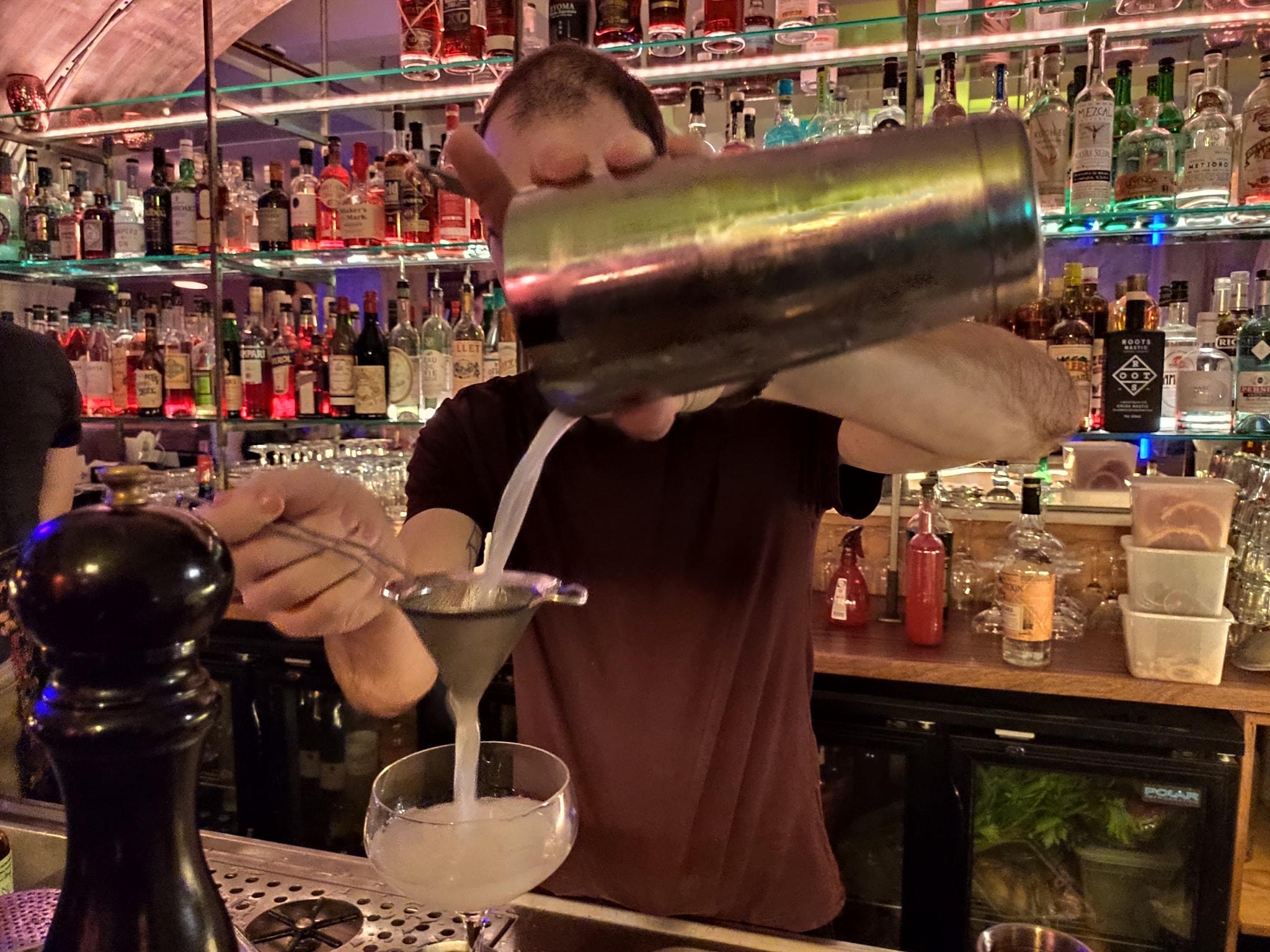 Bartender - Le 153 - Bar à cocktails Paris 3ème