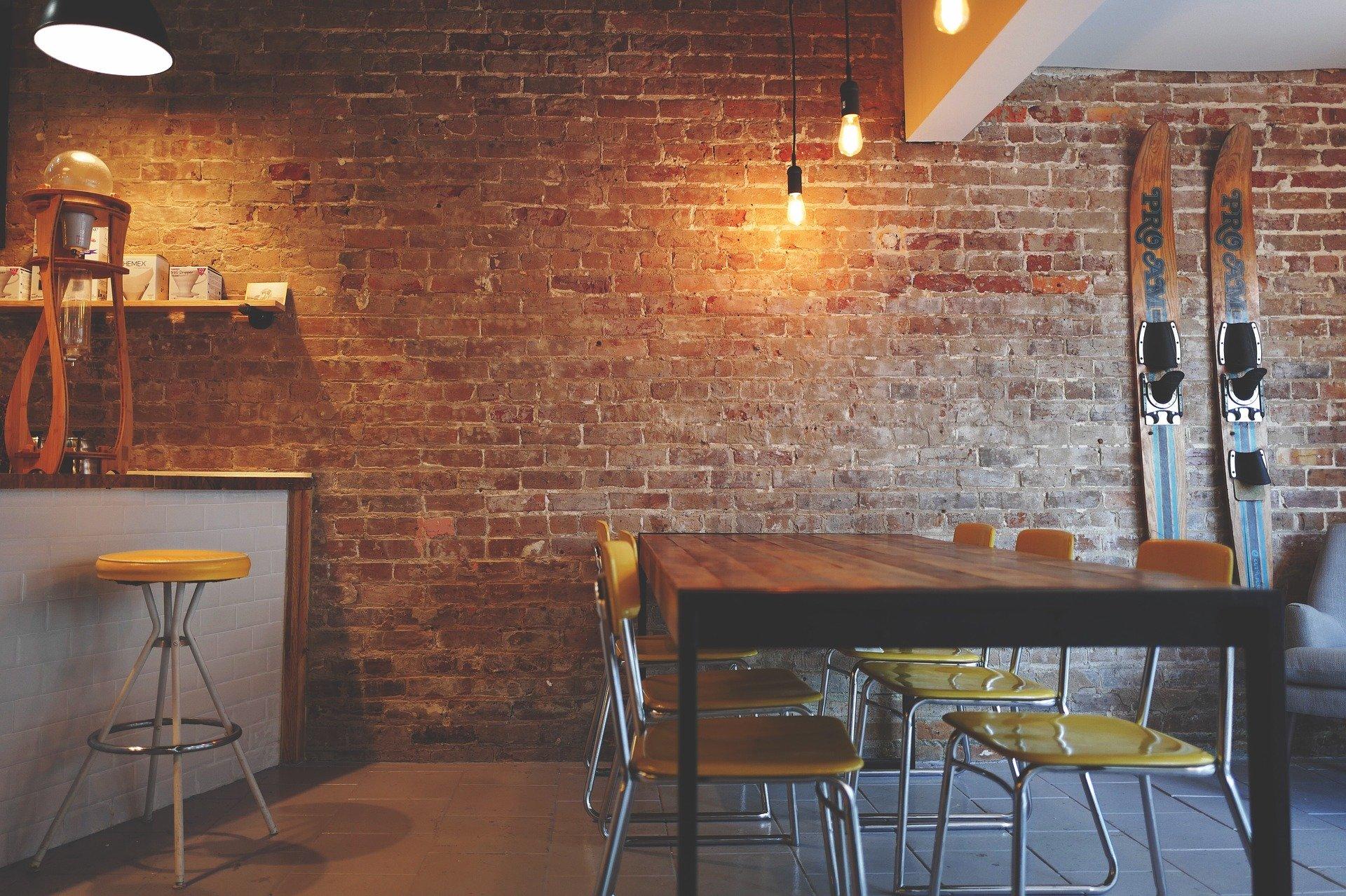 Bar-restaurant en salle urbaine