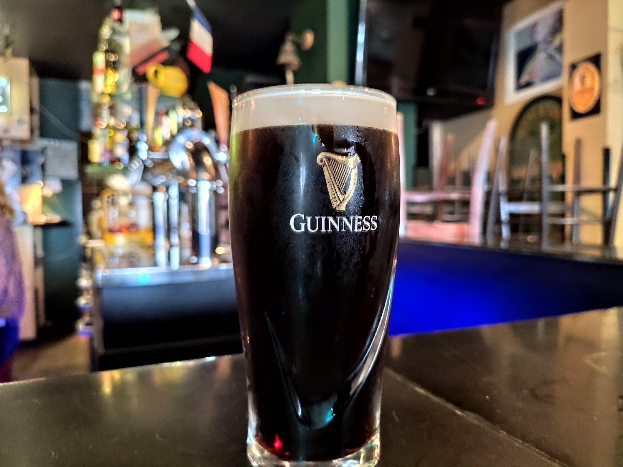 Bière Guinness dans un irish pub