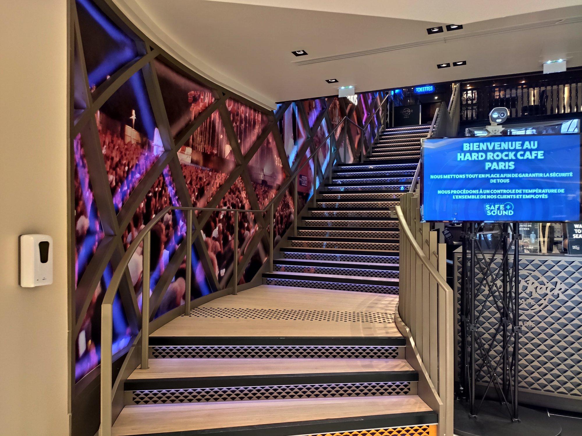 Hard Rock Cafe Paris - Nouvel escalier après rénovation