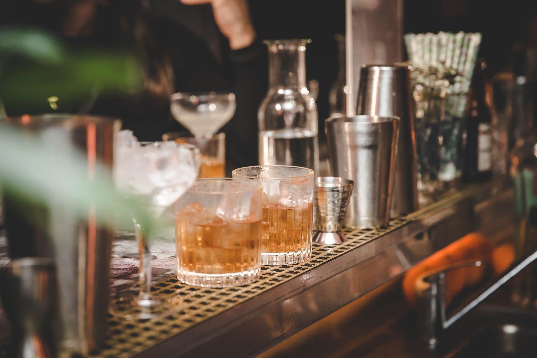 Cocktails au bar - Bacardi Legacy