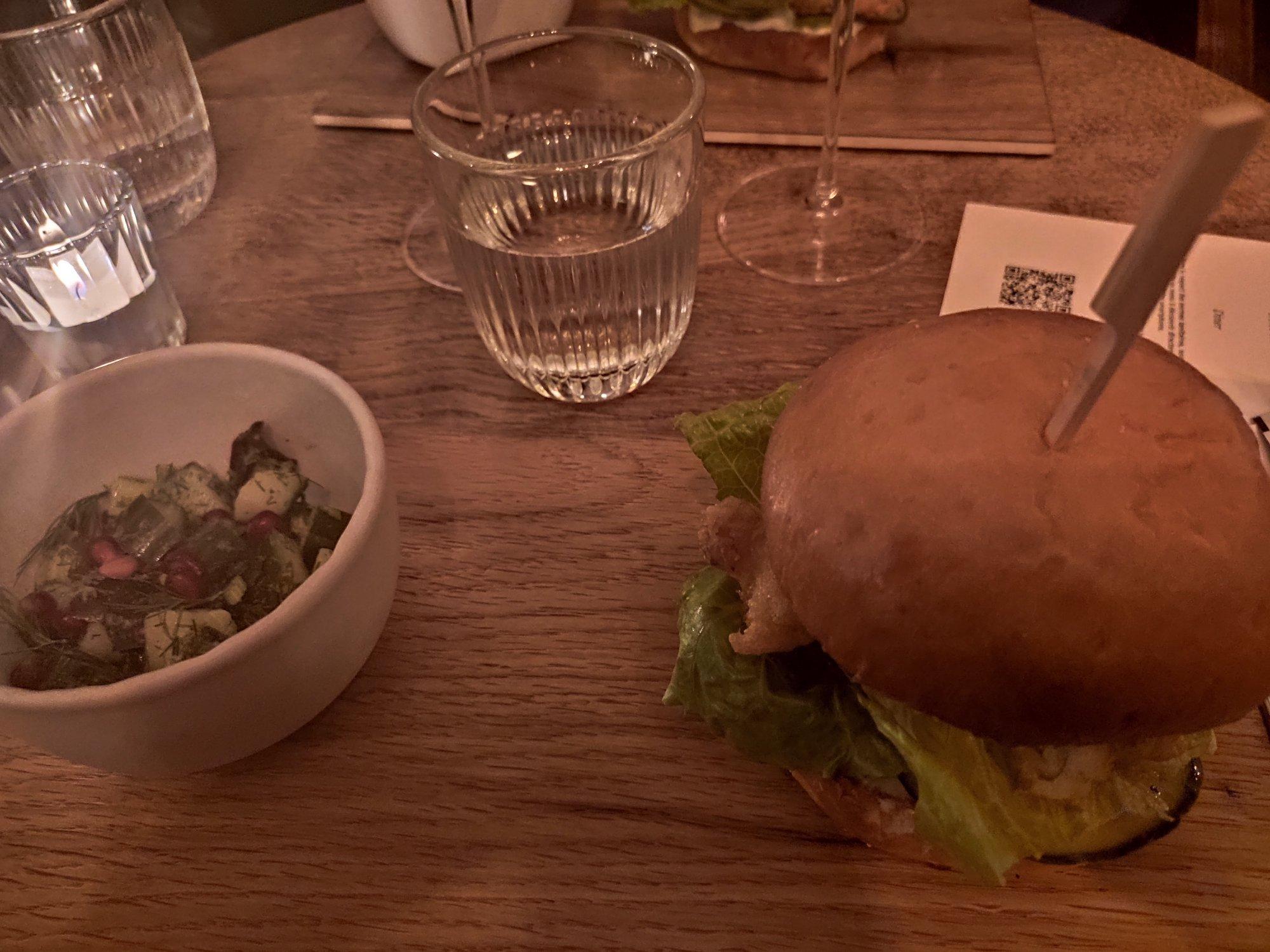 Burger chez Istr - Paris