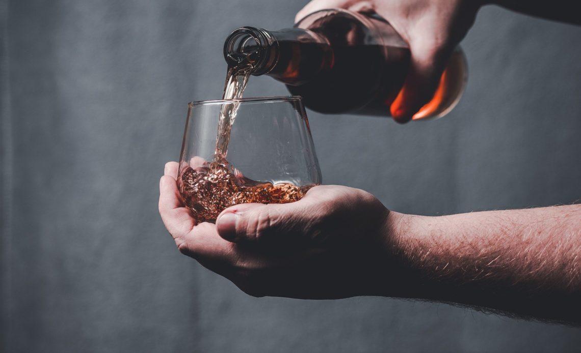 Whisky et spiritueux à la verse