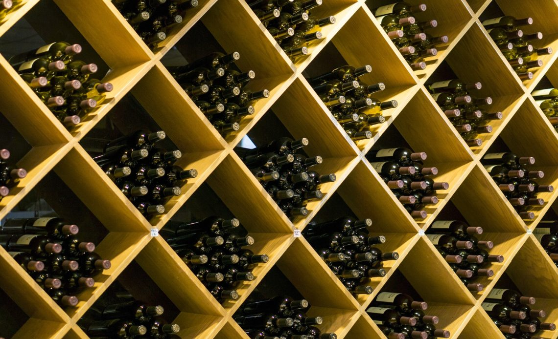 Vin - Casier de bouteilles de rouge