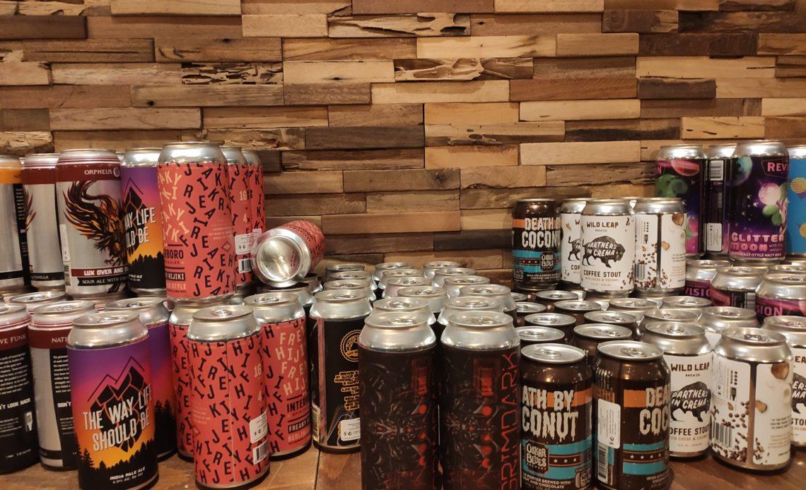 Bière artisanale en canettes à emporter - Hoppy Corner