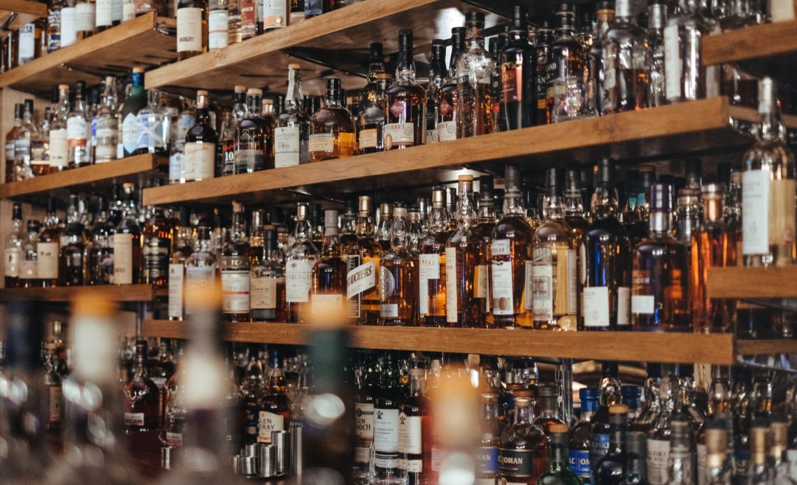 Spiritueux dans un bar - Back-bar