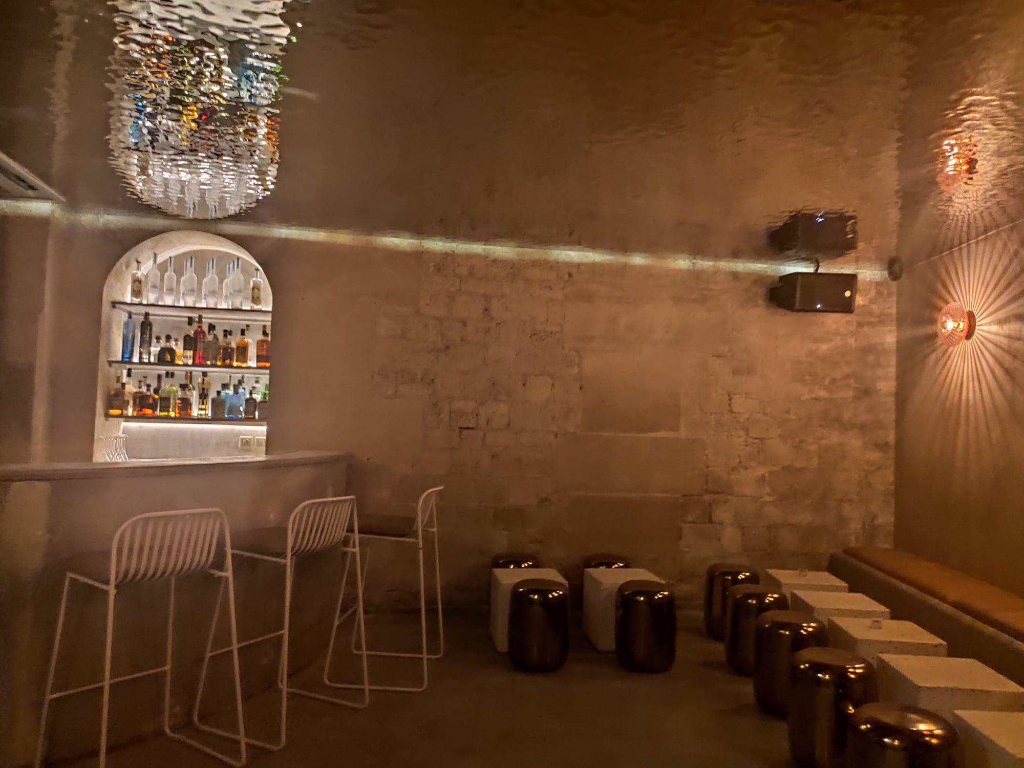 Salle du bar à cocktails - Bar-restaurant Magniv (Paris)