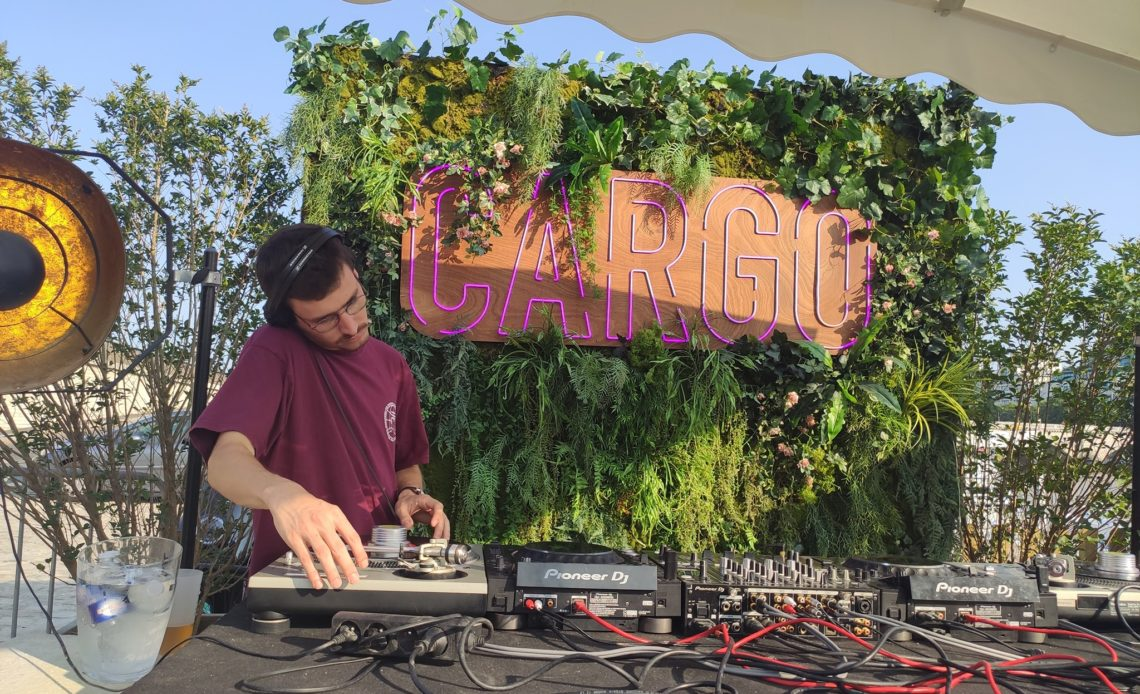 Cargo Container Bar - DJ set