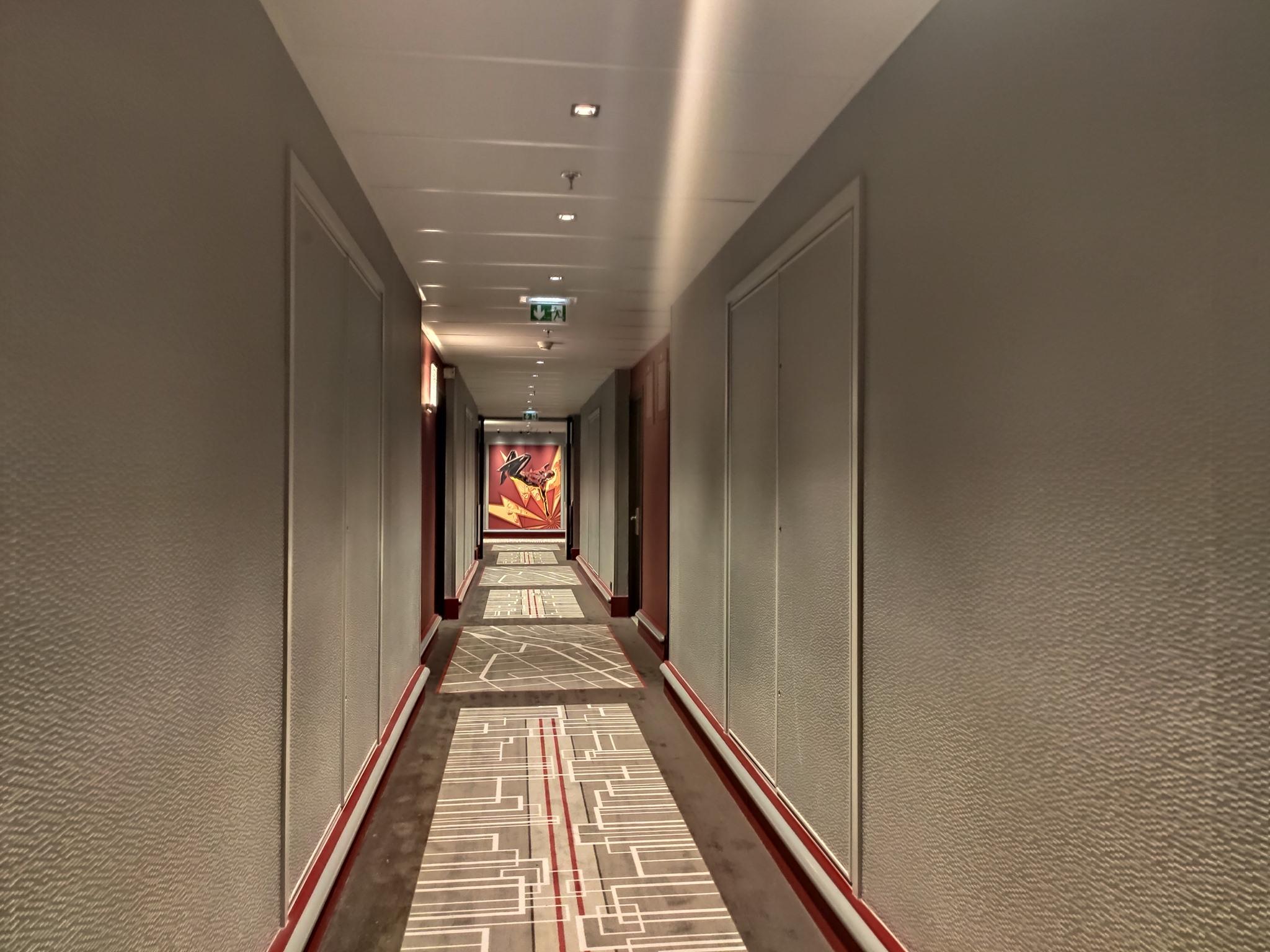 Couloir - Disney's Hotel New York - The Art of Marvel