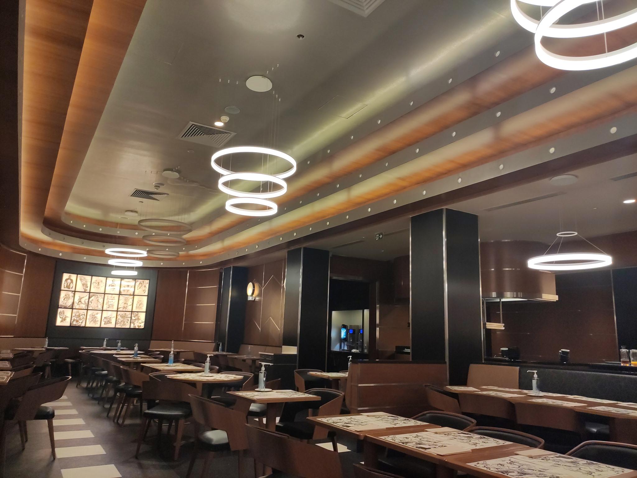 Downtown Restaurant - Disney's Hotel New York - The Art of Marvel