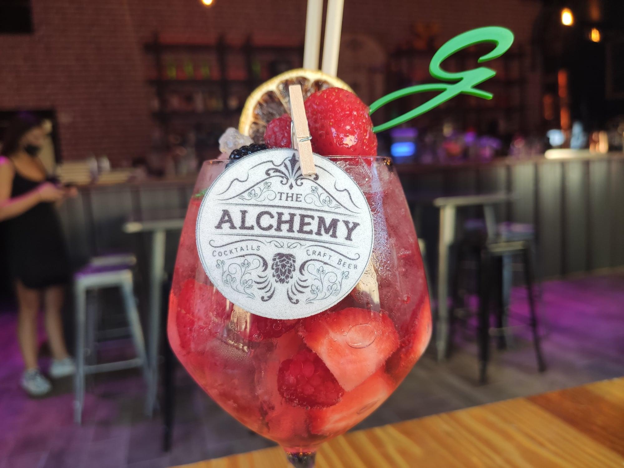 G&T Pink & Tonic - The Alchemy - Bar à Saint-Raphaël