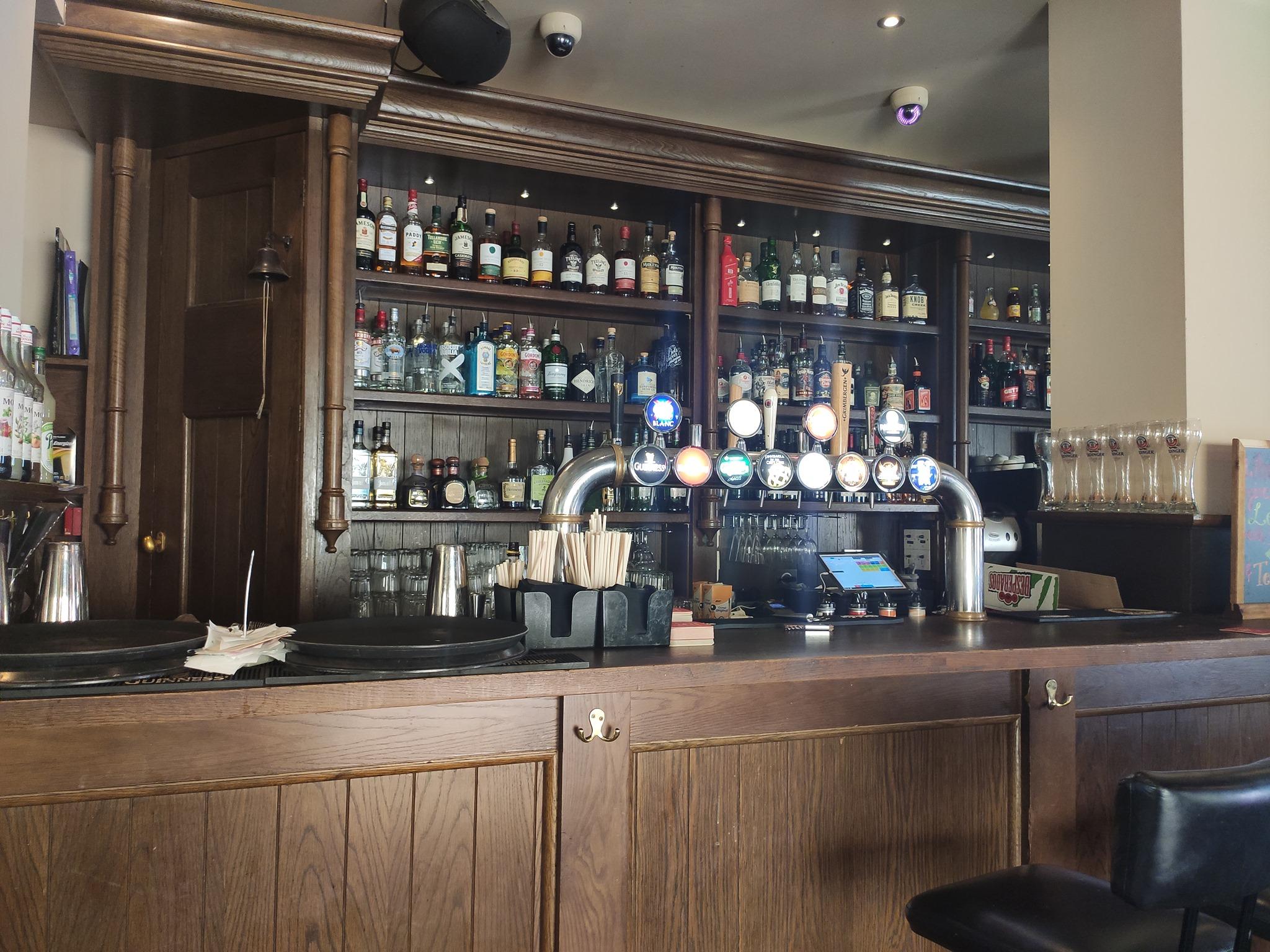 Ma Nolan's irish pub - Cannes (06)