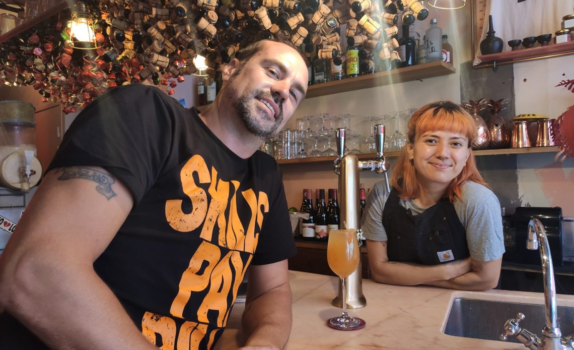 Tim Ward (Monkey Shoulder) et Laura Angel (Hero) - Cocktails pression en bar à cocktails